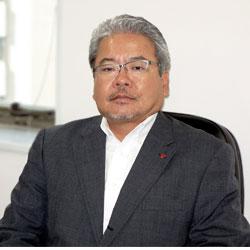 與那覇博明 代表取締役社長